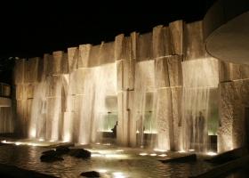 thumbs_mlk_waterfall_night_800x600